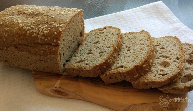 Pâine din făină de migdale și psyllium