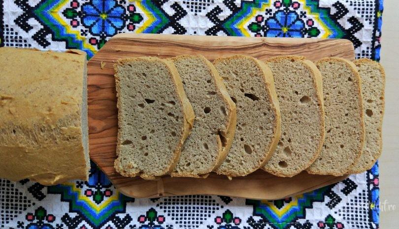 Pâine keto din făină mix de fibre fără carbohidrați