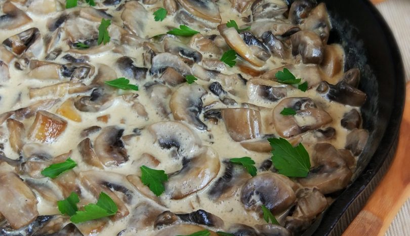 Tocăniță de ciuperci cu smântână