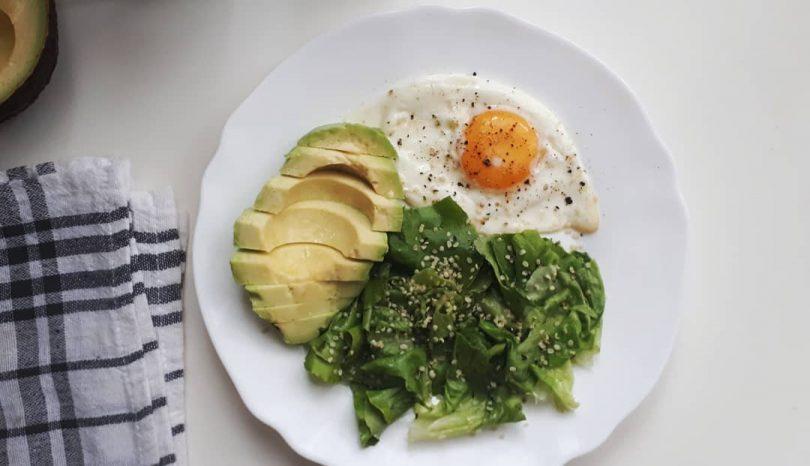 De ce consider că alimentația low-carb e cea mai potrivită pentru mine – Guest post Nutriblog.ro