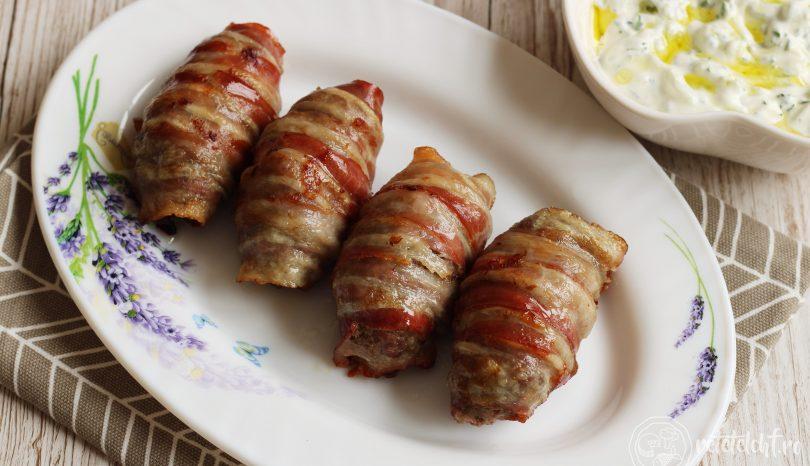 Mini-rulade din carne tocată, învelite în bacon
