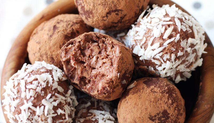 Trufe keto din migdale și cocos