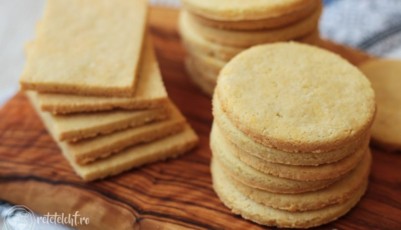 Biscuiți sărați keto din făină de migdale