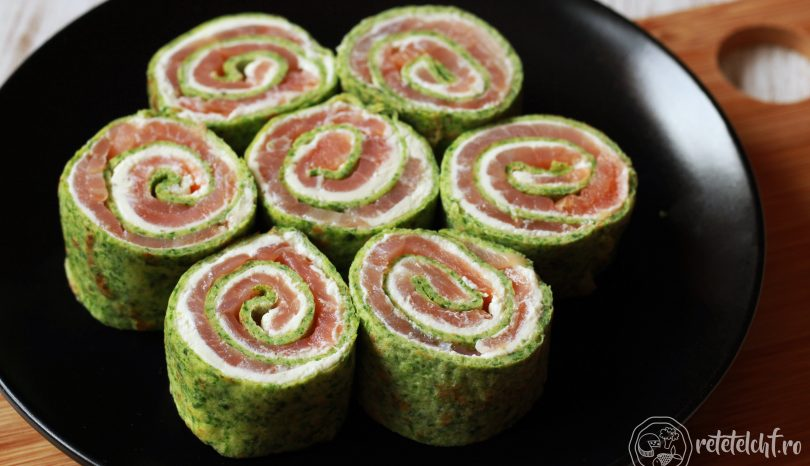 Clătite verzi cu cremă de brânză și somon afumat