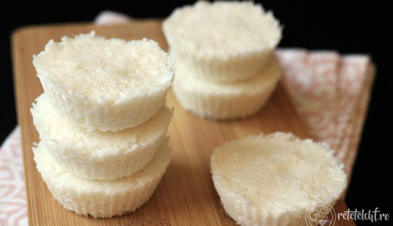Bomboane/pătrățele de cocos fără zahăr (+ bonus: bounty keto)