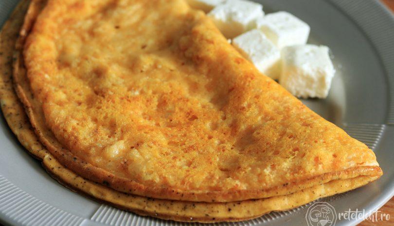Omletă în crustă crocantă de parmezan